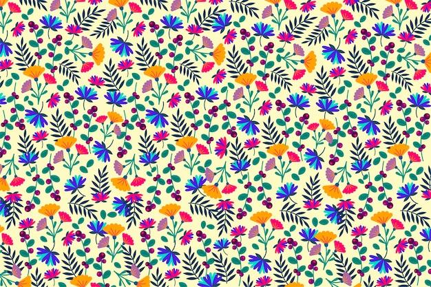ベージュ色の背景にカラフルな花柄