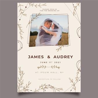 結婚されていたカップルの結婚式の招待状のテンプレート