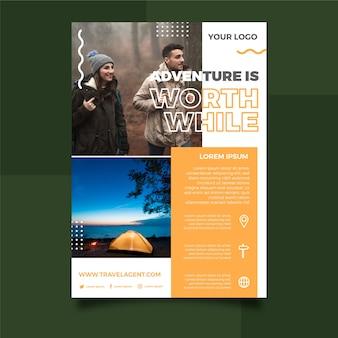 旅行者の写真と旅行ポスタースタイル