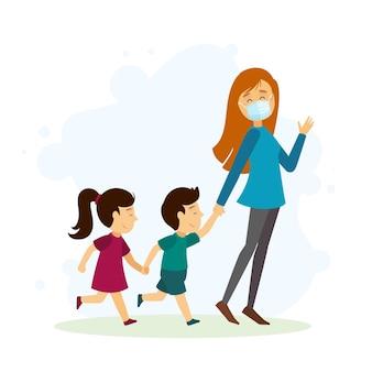 医療マスクで屋外の子供たちを歩く母