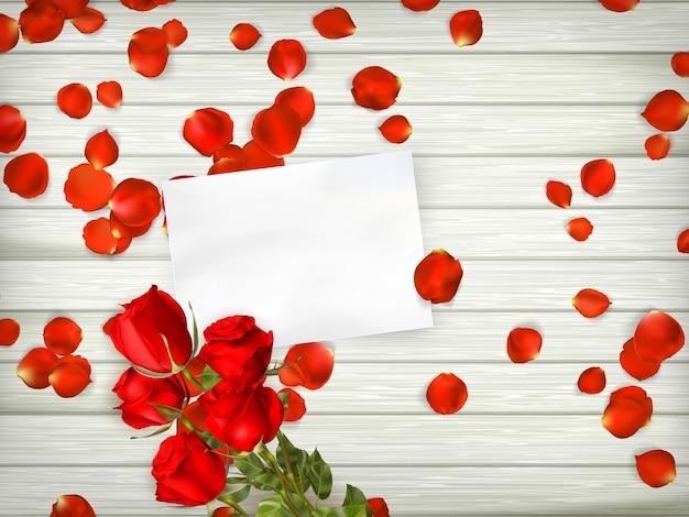 バラの花びらを持つテーブル。