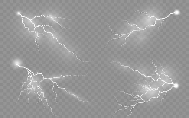 Гроза вектор реалистичные молнии молнии на прозрачном фоне. набор изолированных реалистичных болтовых молний с прозрачностью.