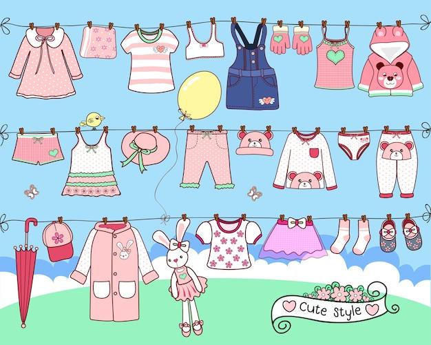 洗濯ラインで乾燥した可愛い服