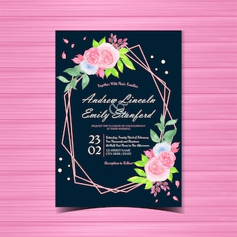 美しいピンクのバラと花の結婚式の招待カード