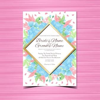 Синее цветочное свадебное приглашение с великолепными цветами