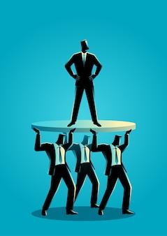 ビジネス同僚がサポートするビジネスマン