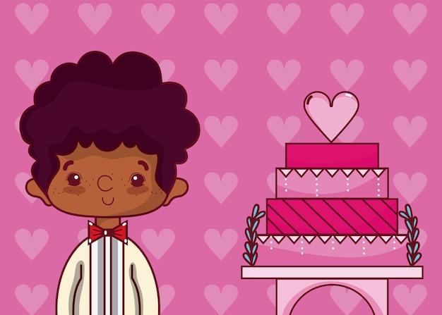 Симпатичный свадебный парень с пирожным