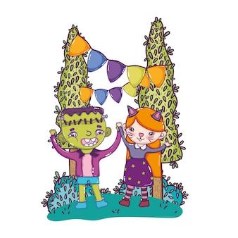 ハロウィンパーティーへの男の子フランケンシュタインと女の子の子猫