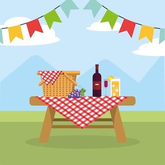 ワインとレモネードグラスのテーブルのバスケット