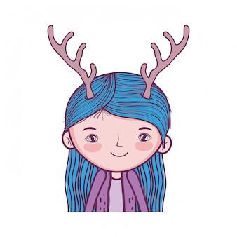 鹿の角の特徴を持つかわいい小さな妖精