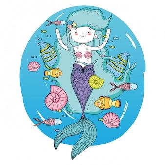 海藻の海の下でかわいい人魚