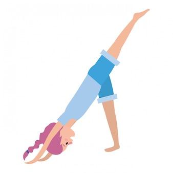 Подходящая практикуя йога женщины