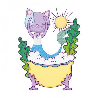Милая мурлыкающая в ванной