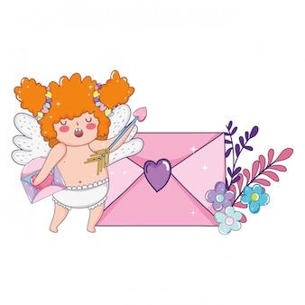 Милая купидонная пухлая девушка с конвертом