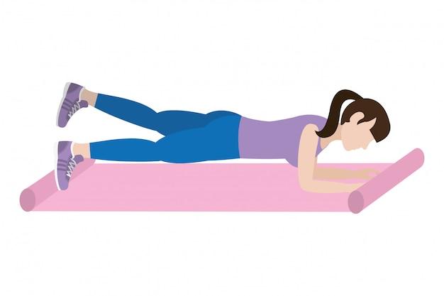 Подходит женщина делает упражнения