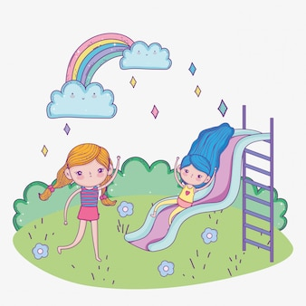 Милые девушки играют в зоне слайдов