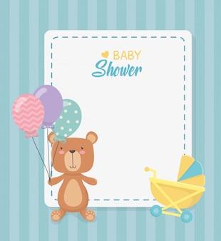 Квадратная карточка для душа с маленьким медвежонком и воздушными шариками с гелием