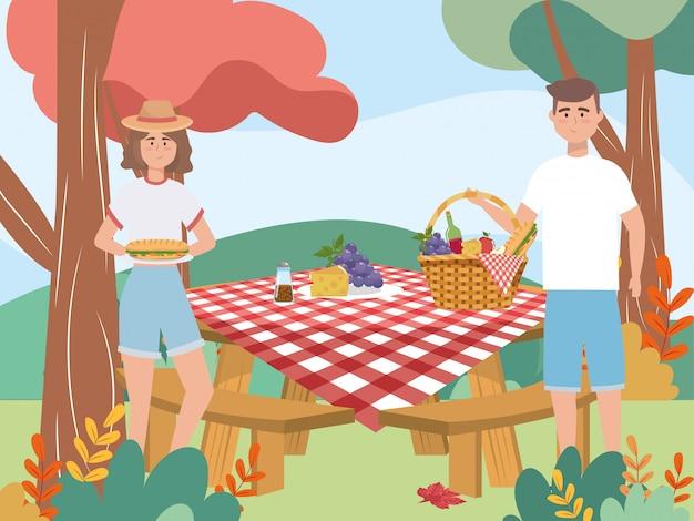 ブドウとチーズの女と男のカップル