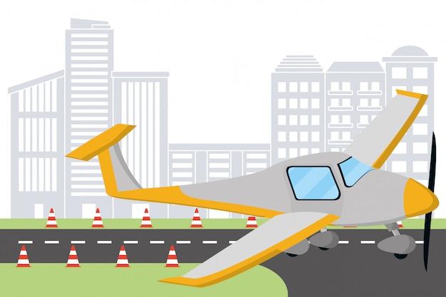 Самолет на взлетно-посадочной полосе аэропорта