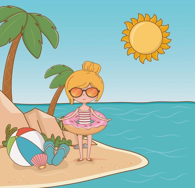 ビーチのシーンで若い女の子