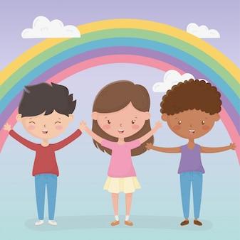 幸せな子供の日の男の子と女の子の陽気な虹