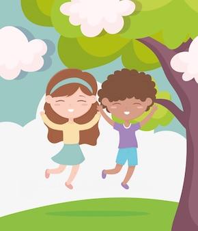 幸せな子供の日、笑顔の男の子と女の子が屋外を祝う