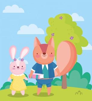 Обратно в школу, милый кролик и белка с книгой на открытом воздухе