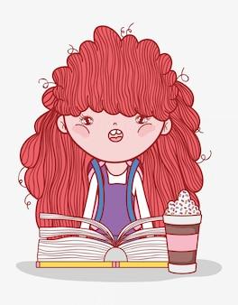 Симпатичная девушка со смузи и книжным мультфильмом