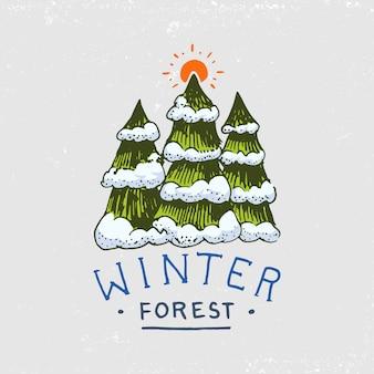針葉樹林、山、木製のロゴ。キャンプと野生の自然。