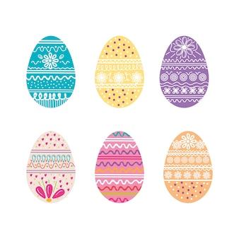 Яйца красят счастливый пасхальный сезон