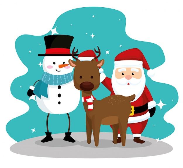 サンタクロースと帽子と鹿を着た雪だるま