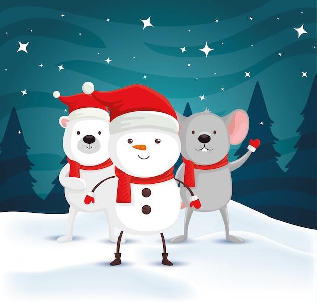 Снеговик с белым медведем и мышью в зимнем пейзаже