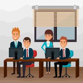 オフィスシーンでエレガントなビジネス人々