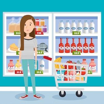 食料品の買い物カゴを持つ消費者