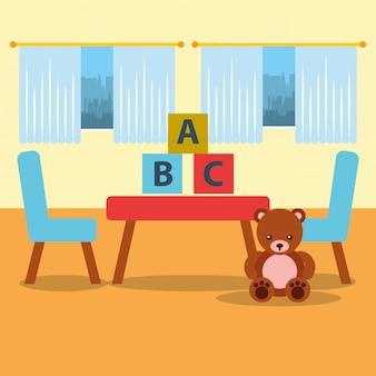 教室の幼稚園のテーブルチェアくまテディブロックと窓