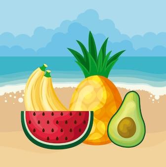 Свежий ананас с авокадо и фруктами