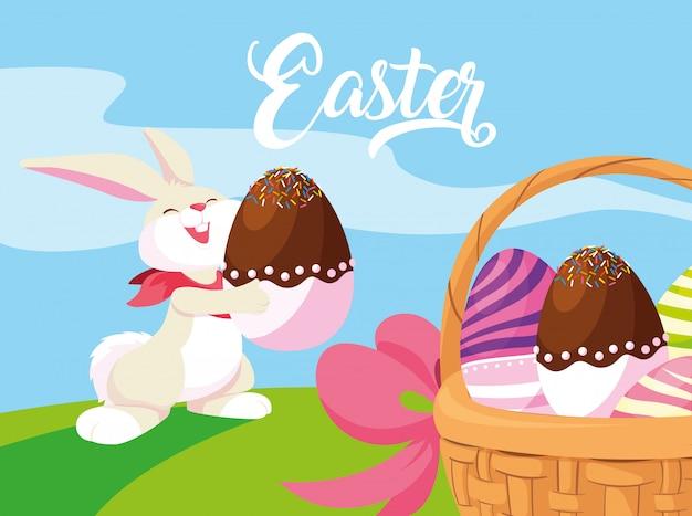 Кролик и пасхальные яйца, украшенные конфетами