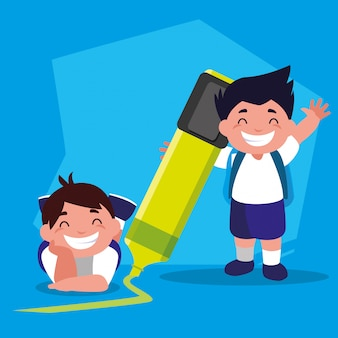 学校に戻って、学用品を持つ学生男の子