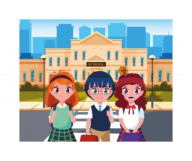 Студенческие дети со школьного здания начального