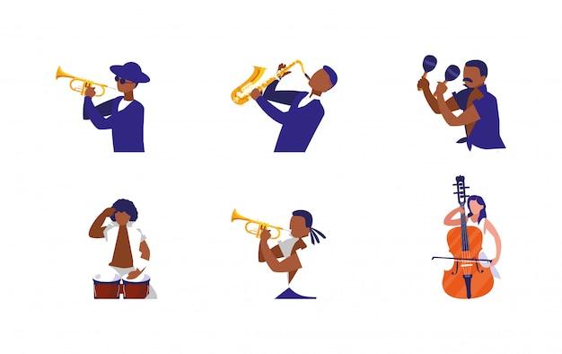 Музыканты с инструментами музыкального фестиваля