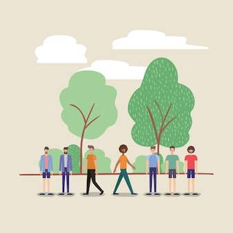 公園のキャラクターを歩いている男性のグループ
