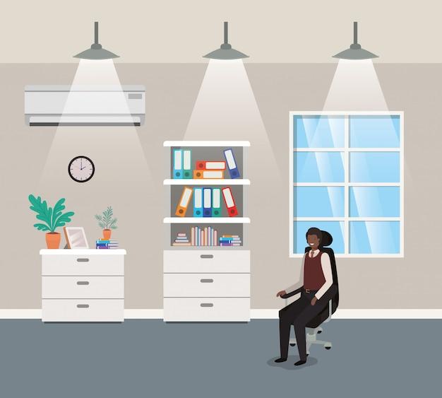 黒の実業家が座っている廊下のオフィス