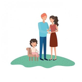 椅子に座っている娘を持つ親のカップル
