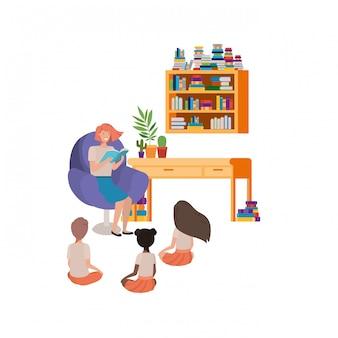 Женщина с чтением книги на диване и детей