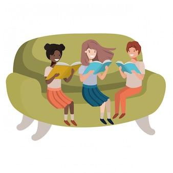 本のアバターの文字が付いているソファーに座っている人々のグループ