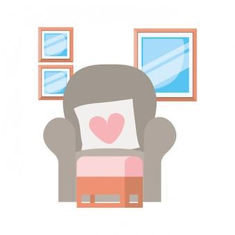 白のリビングルームの快適なソファ