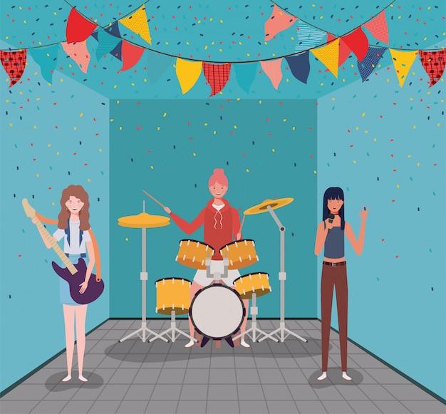 楽器のキャラクターを演奏する女性のグループ