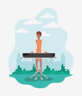 ピアノのキャラクターを演奏するアフロ女性