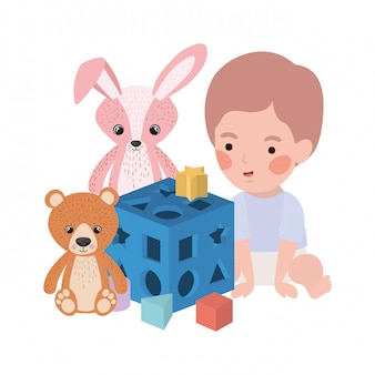 おもちゃのキャラクターで遊ぶかわいい男の子の赤ちゃん