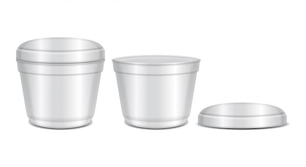 丸い白いプラスチック容器。スープボウルまたは乳製品、ヨーグルト、クリーム、デザート、ジャム。現実的なパッケージテンプレート